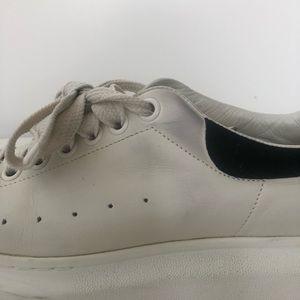 Alexander McQueen Shoes - Off white/black Alexander McQueen leather sneakers